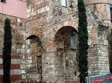岩壁テイストの外壁